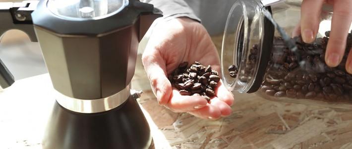 Kawa ziarnista do parzenia w kawiarce cinieniowej